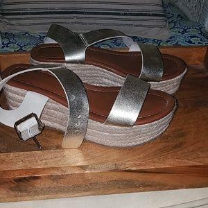 Metallic platform sandals